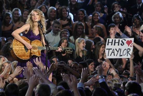 Taylor Swift S Former High School To Re Name Auditorium Sounds Like Nashville