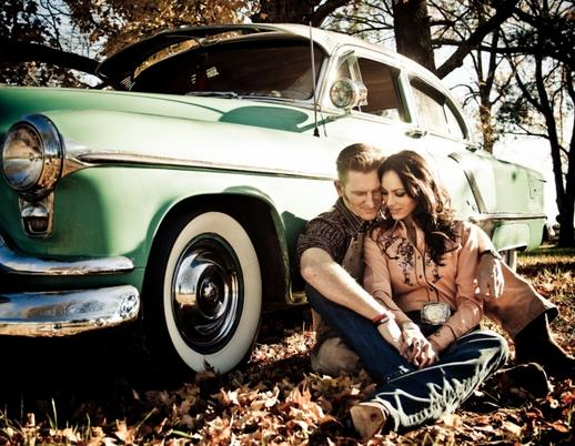 Joey & Rory To Release 'A Farmhouse Christmas' | Sounds Like Nashville