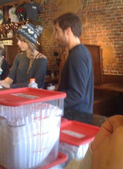 Taylor Swift And Jake Gyllenhaal Spotted Brooklyn Nashville Sounds Like Nashville
