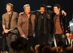 Lionel Richie Shares Stories of Country Artists on 'Tuskegee'