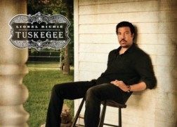 Lionel Richie's 'Tuskegee' Tops Billboard 200 Chart for Second Consecutive Week