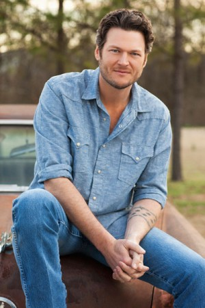 Blake Shelton to Release Christmas Album