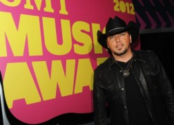 2012 CMT Music Awards – Purple Carpet Arrivals