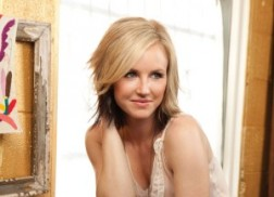 Kristen Kelly Covers Conway Twitty's 'Slow Hand'
