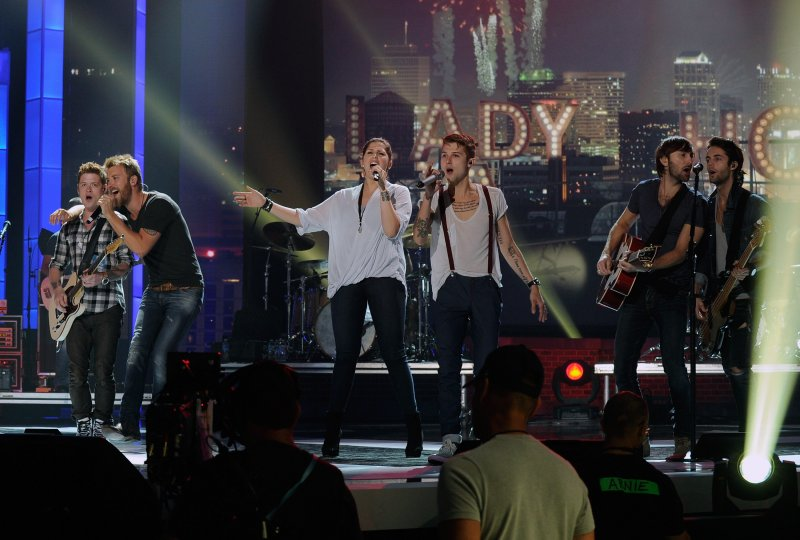 Carrie underwood luke bryan the band perry more for Lady antebellum miscarriage how far along