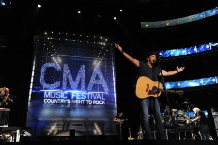 2012 CMA Music Festival Sets Attendance Record