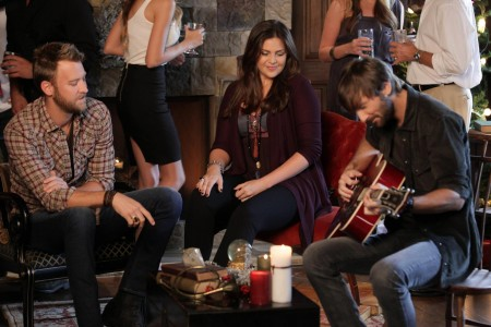Lady Antebellum Spreads Holiday Cheer In 'Holly Jolly Christmas' Music Video Sounds Like Nashville