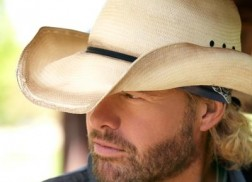 Toby Keith Releases 'Drunk Americans' Music Video