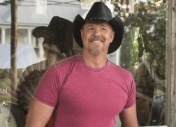 Trace Adkins Continues Holiday Tradition with The Christmas Show 2014 Tour