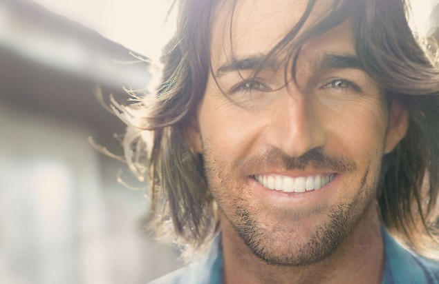 Jake Owen Previews New Music at Annual Fan Club Party