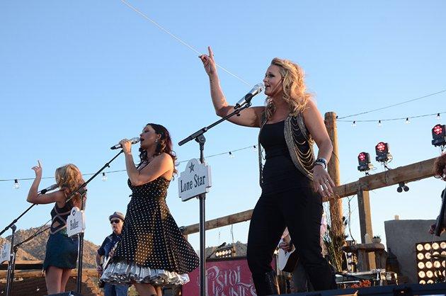 Miranda Lambert Wears Dear John Denim Metro Jeggings + Your Chance To WIN a Pair!