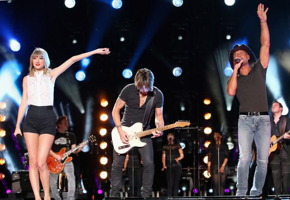 PHOTOS: 2013 CMA Music Festival – Day 1