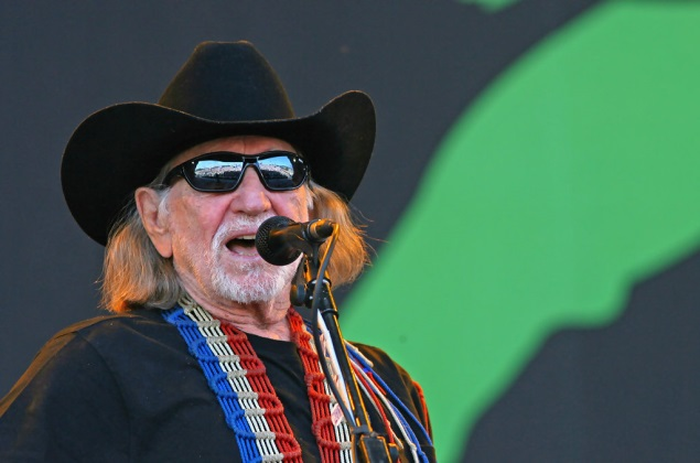 2013 Farm Aid Lineup Includes Willie Nelson, Kacey Musgraves + More
