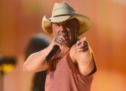 Kenny Chesney To Play Free 'Keg Show' In Key West