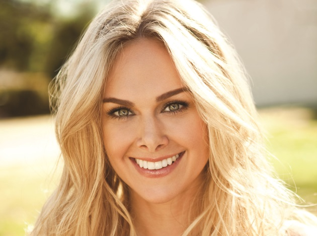 Laura Bell Bundy Joins Big Machine Label Group, Releases 'Two Step' Music Video