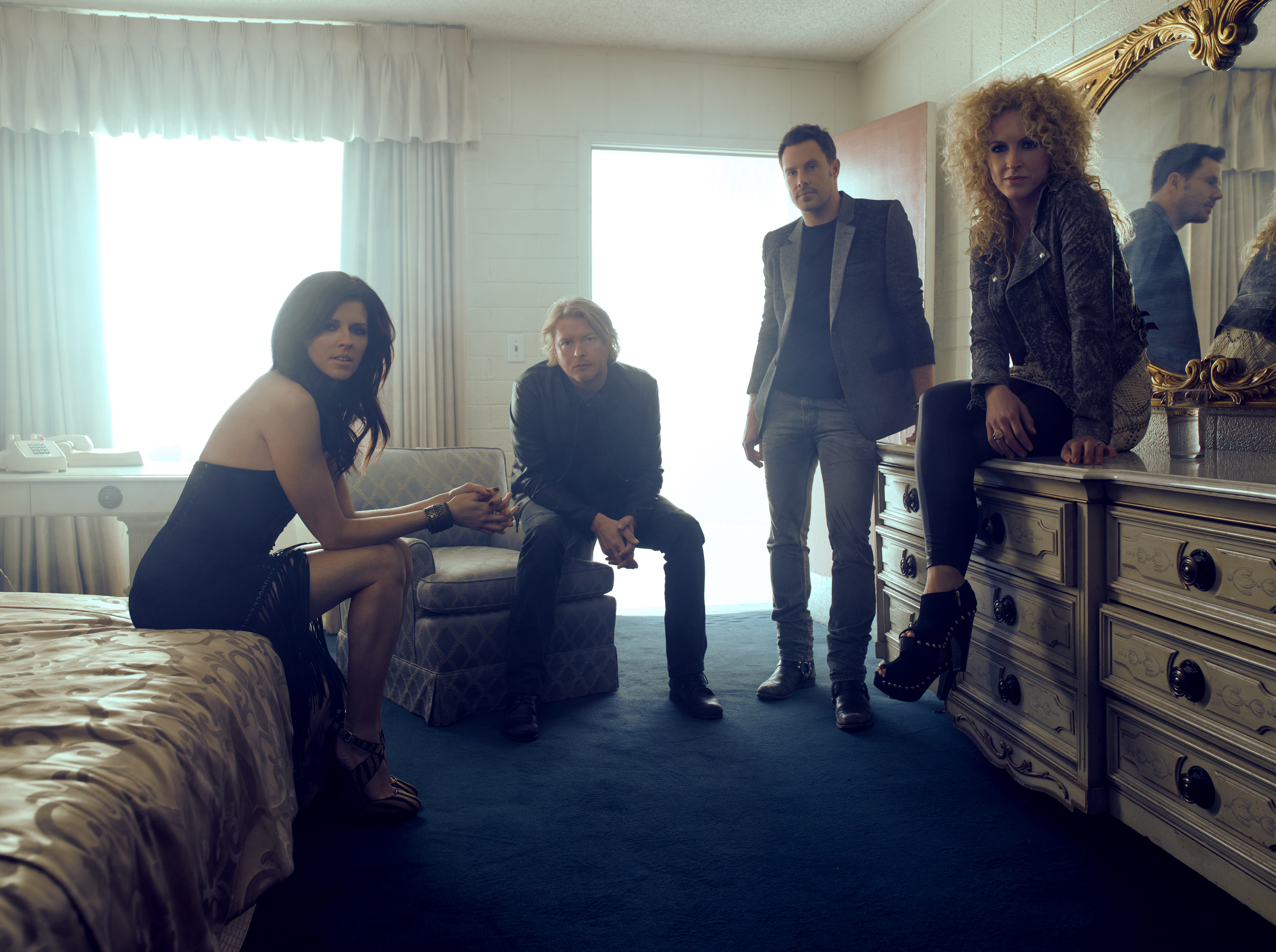 little big town talks 39 your side of the bed 39 draws inspiration from 39 old school 39 harmonies. Black Bedroom Furniture Sets. Home Design Ideas