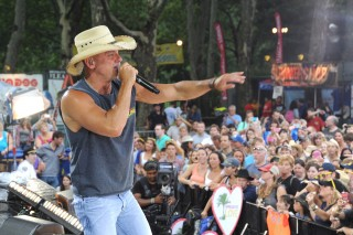 Kenny Chesney, Keith Urban to Perform on GMA Summer Concert Series 2016
