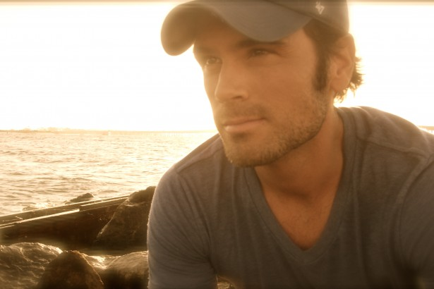 Chuck Wicks To Host & Perform At 'Country Weekly's' Annual Kick-Off Party