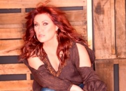 Jo Dee Messina Announces Album Release Date For 'Me'