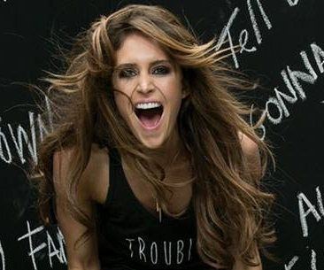 Kelleigh Bannen Ships 'Famous' To Country Radio, Debuts New Music Video