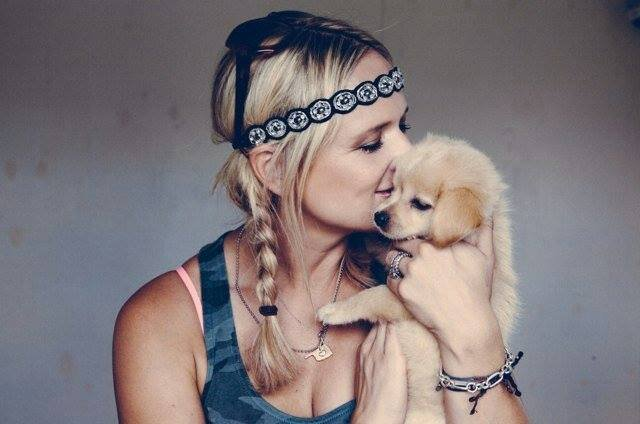 Miranda Lambert  - Muttnation Foundation
