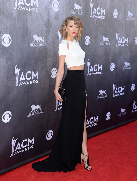 Taylor Swift - 49th Annual ACM Awards - CountryMusicIsLove