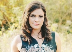 Angaleena Presley Announces New Album, 'American Middle Class'