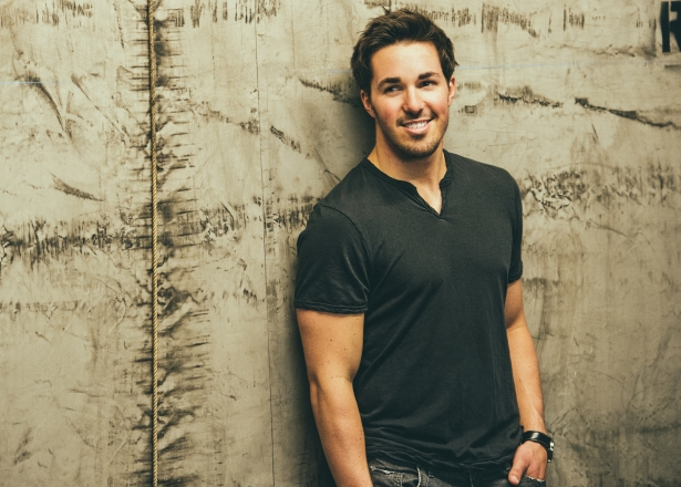 AT&T U-verse Offers Free Download of Cale Dodds' Debut EP, 'Wild and Reckless'