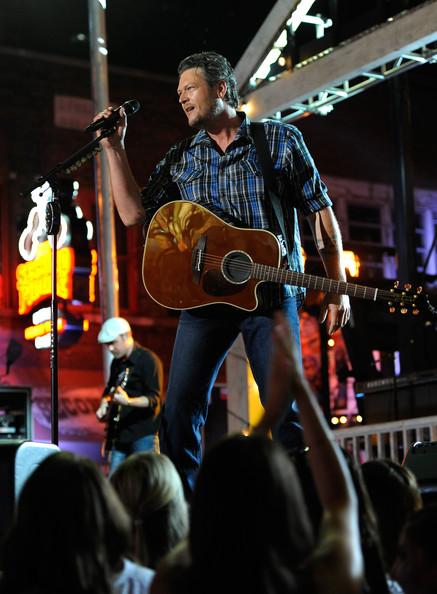Blake Shelton - 2014 CMT Music Awards- CountryMusicIsLove