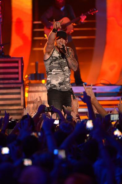 Brantley Gilbert - 2014 CMT Music Awards- CountryMusicIsLove