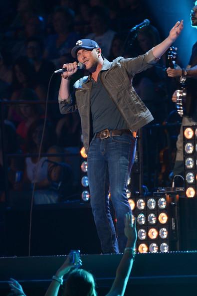 Cole Swindell - 2014 CMT Music Awards- CountryMusicIsLove