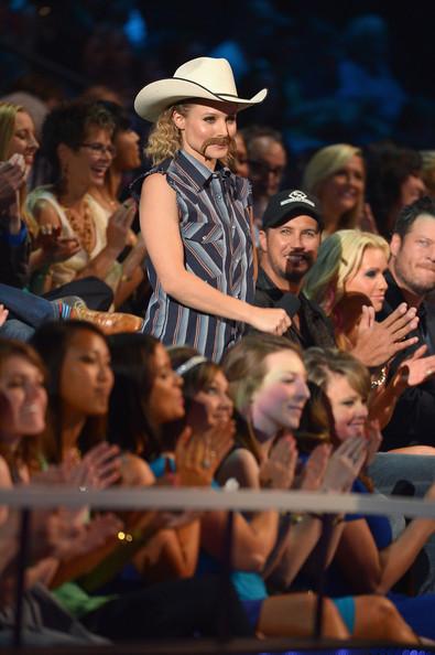 Kristen Bell - 2014 CMT Music Awards- CountryMusicIsLove