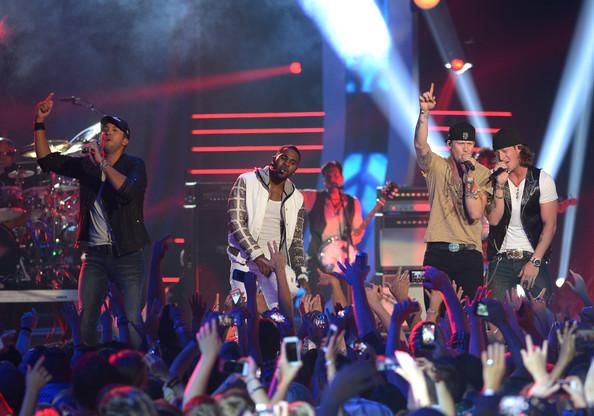 Luke Bryan Jason Derulo Florida Georgia Line - 2014 CMT Music Awards- CountryMusicIsLove