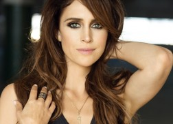 Kelleigh Bannen Shares Christmas Music Picks