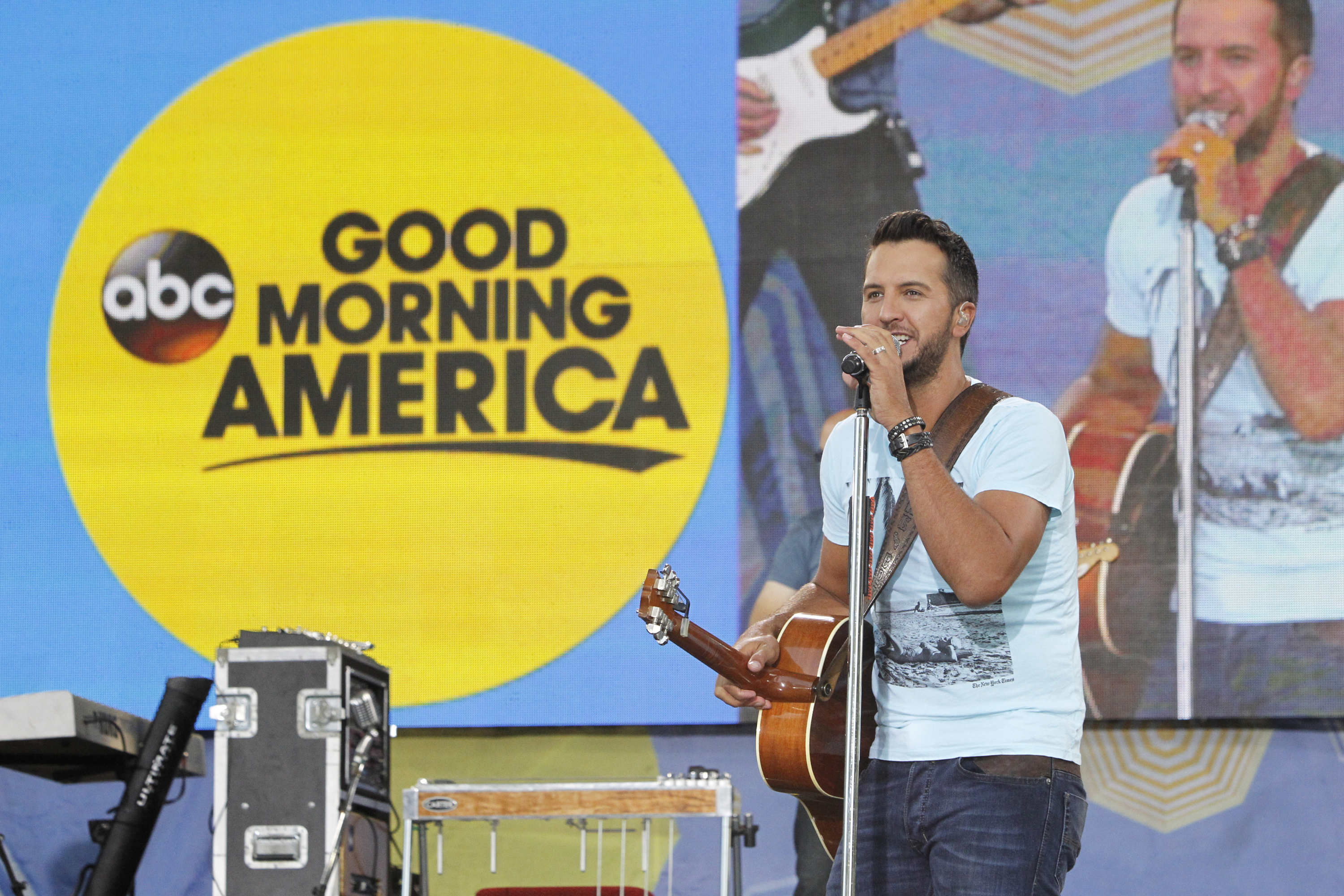 Good Morning America Live Tickets : Luke bryan rocks gma summer concert series with largest