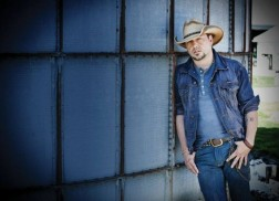 Jason Aldean Earns 16th No.1 Single with 'Tonight Looks Good On You'