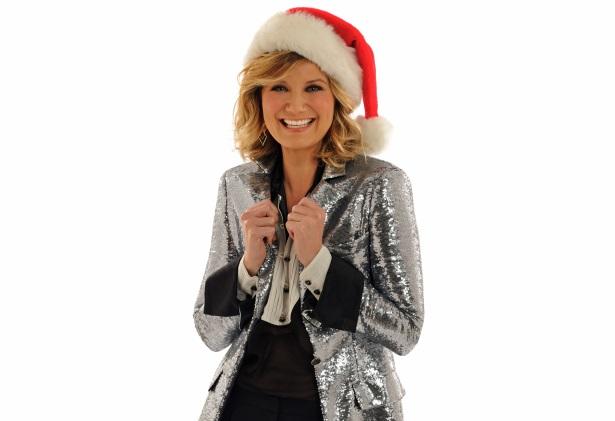'CMA Country Christmas' Returns with Host Jennifer Nettles Sounds Like Nashville
