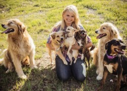Miranda Lambert and MuttNation Want Fans to Adopt Their Dogs at CMA Fest