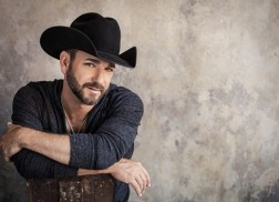 Craig Campbell Says Every Day Is Valentine's Day