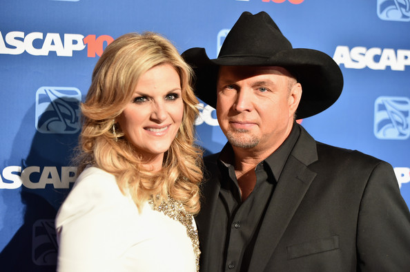Garth Brooks and Trisha Yearwood Working On Christmas Duets Album ...