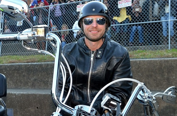 Dierks Bentley To Host ACM Charity Motorcycle Ride & Concert