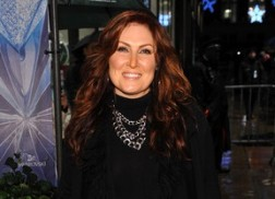 Jo Dee Messina Releases 'Chicken Soup For The Soul: Thanks To My Mom' Book