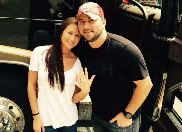 Tyler Farr Engaged