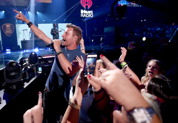 dierks bentley - 2015 iheartradio country music festival