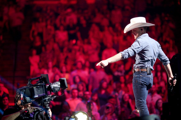 justin moore - 2015 iheartradio country music festival