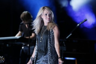 Carrie Underwood Returning for 'Sunday Night Football'