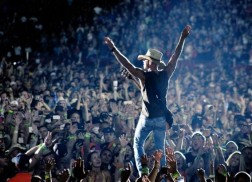 Kenny Chesney Named One Of 'Billboard's' Top Five Touring Acts Of 2015