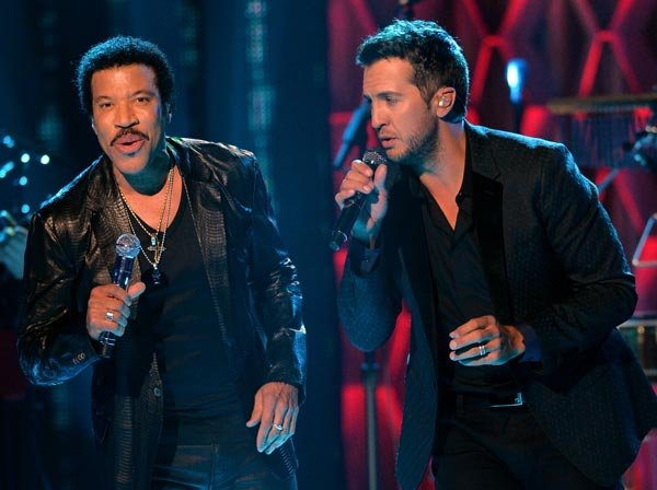 Luke Bryan, Lady Antebellum To Honor Lionel Richie As 2016 MusiCares Person Of The Year