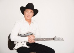 Clint Black Announces 12-City Christmas Tour