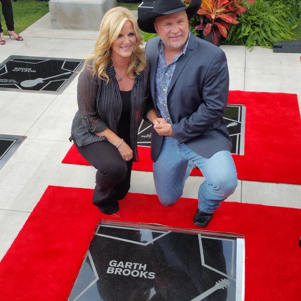 Garth Brooks And Trisha Yearwood Receive Stars On Music